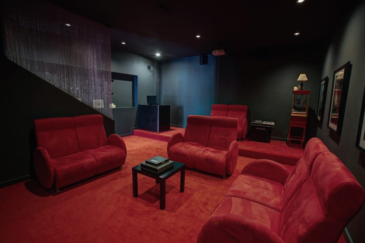 Cinema-Rental_01
