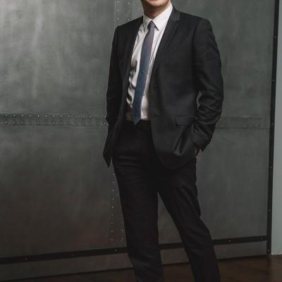 professional-business-headshot_01-800x1200